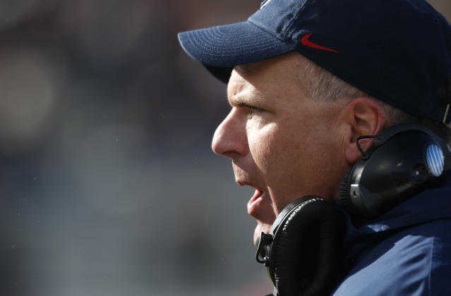 Arizona football coach Rich Rodriguez shouts at a player during the second half of the AdvoCare V100 Bowl NCAA college football game, Tuesday, Dec. 31, 2013, at Independence Stadium in Shreveport, La. Arizona won 42-19 (AP Photo/Rogelio V. Solis)