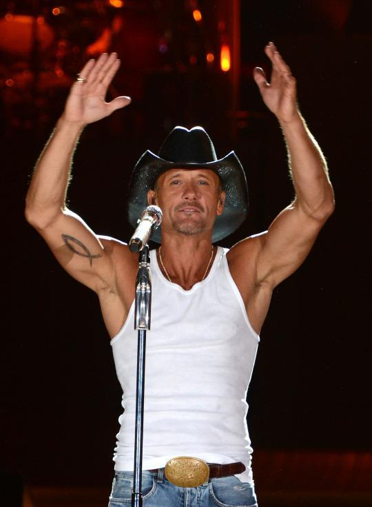 4 Ways Tim McGraw Maintains The Most Cut Body In Country Music
