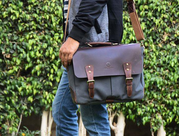 Let's go to work with this messenger bag, which is now on sale for a whopping 75% off
