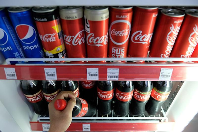 Soft drinks that are not sweetened with sugar but with artificial sweeteners are already available in Malaysia. ― Bernama pic