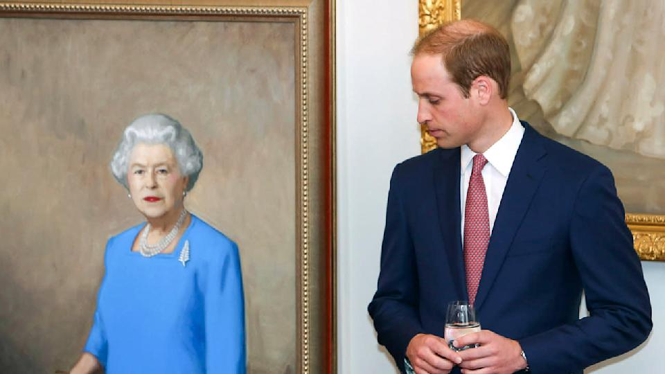 A new poll in the UK suggests Prince William is more popular than Queen Elizabeth.