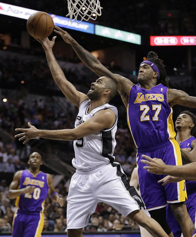 Hill leads Lakers over Spurs in finale, 113-100