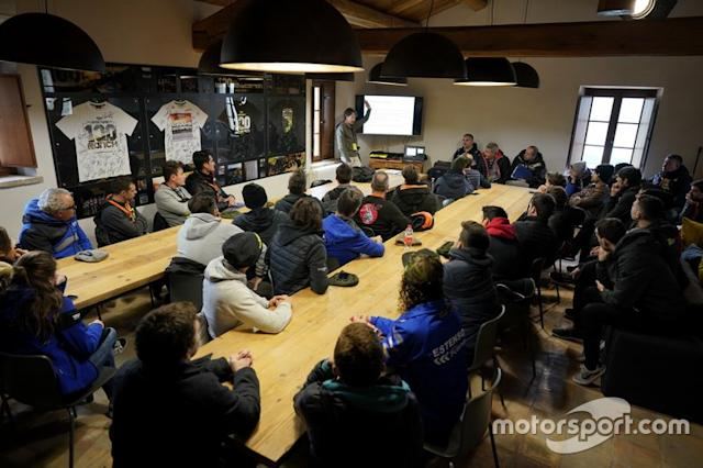 "Riders briefing <span class=""copyright"">Valentino Rossi</span>"