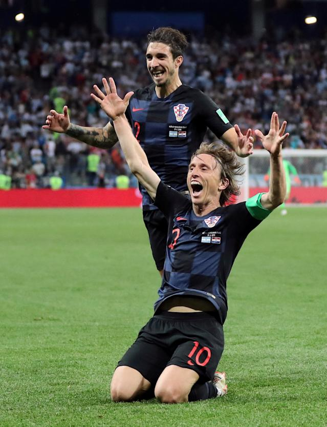 Soccer Football - World Cup - Group D - Argentina vs Croatia - Nizhny Novgorod Stadium, Nizhny Novgorod, Russia - June 21, 2018 Croatia's Luka Modric celebrates with Sime Vrsaljko after scoring their second goal REUTERS/Ivan Alvarado TPX IMAGES OF THE DAY