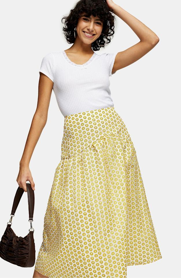 "<p><a href=""https://www.popsugar.com/buy/Topshop-Daisy-Organza-Midi-Skirt-579954?p_name=Topshop%20Daisy%20Organza%20Midi%20Skirt&retailer=shop.nordstrom.com&pid=579954&price=43&evar1=fab%3Aus&evar9=47531607&evar98=https%3A%2F%2Fwww.popsugar.com%2Ffashion%2Fphoto-gallery%2F47531607%2Fimage%2F47532282%2FTopshop-Daisy-Organza-Midi-Skirt&list1=shopping%2Cnordstrom%2Csummer%20fashion%2Csale%20shopping&prop13=mobile&pdata=1"" rel=""nofollow"" data-shoppable-link=""1"" target=""_blank"" class=""ga-track"" data-ga-category=""Related"" data-ga-label=""https://shop.nordstrom.com/s/topshop-daisy-organza-midi-skirt/5607534?origin=category-personalizedsort&amp;breadcrumb=Home%2FSale%2FWomen&amp;color=yellow"" data-ga-action=""In-Line Links"">Topshop Daisy Organza Midi Skirt </a> ($43, originally $85)</p>"