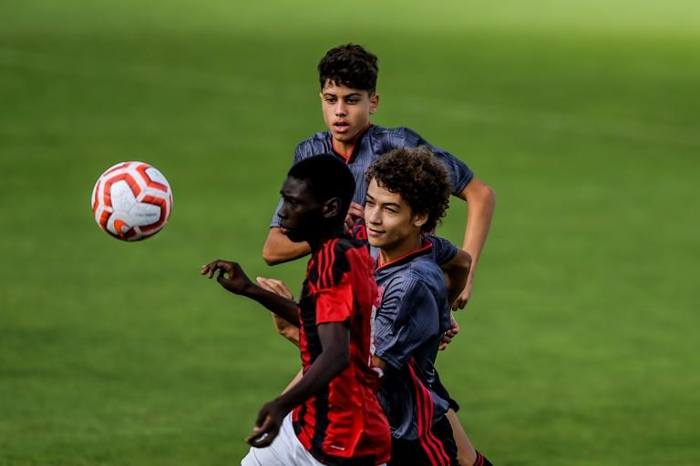 Stars oif the future? Benfica youngters train at the club's Football Academy in Seixal (AFP Photo/PATRICIA DE MELO MOREIRA)