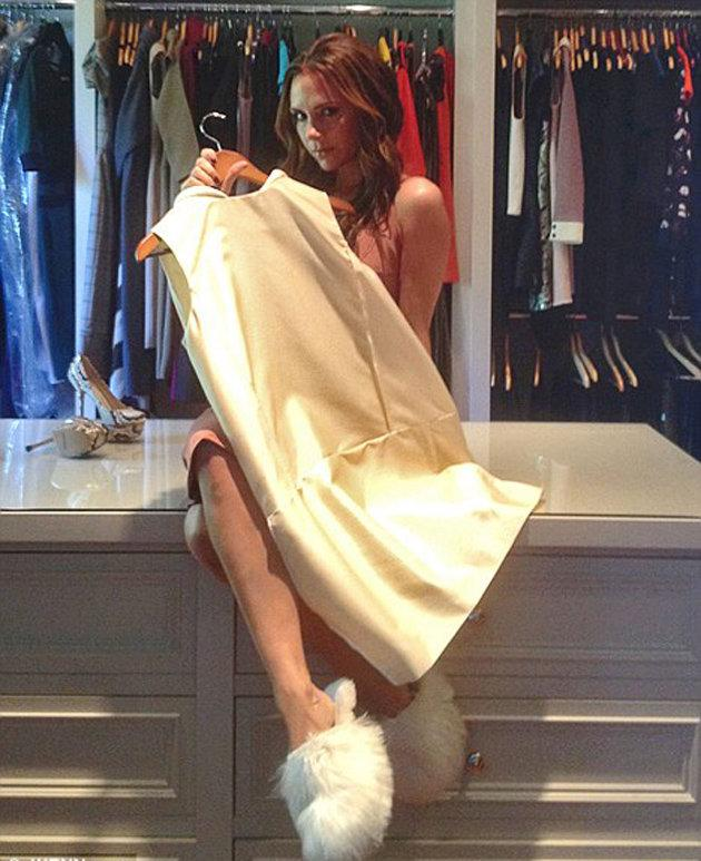 Celebrity photos: Victoria Beckham is very rarely seen with anything on her feet that doesn't have a platform and 6 inch heel attached. So we were pretty shocked to see this image surface on Twitter, showing the star wearing a cute pair of fluffy slippers!