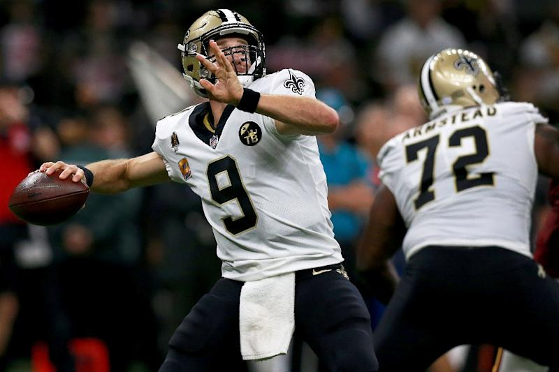 Drew Brees of the New Orleans Saints throws a 62 yard pass to break Peyton  Manning  e98b5cafd