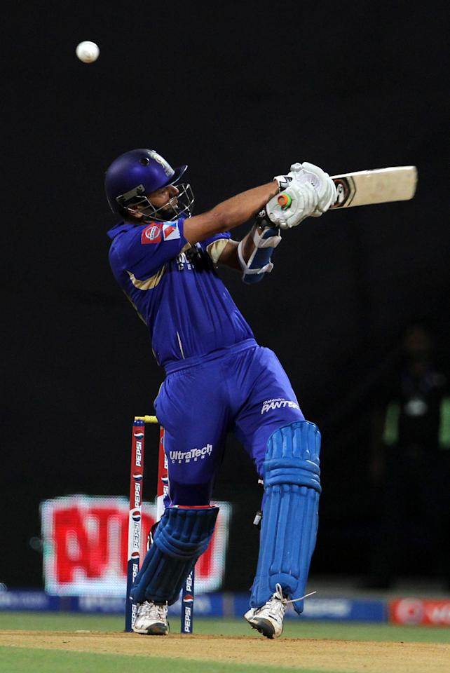 Rajasthan Royals captain Rahul Dravid edges the ball during match 66 of the Pepsi Indian Premier League ( IPL) 2013  between The Mumbai Indians and the Rajasthan Royals held at the Wankhede Stadium in Mumbai on the 15th May 2013 ..Photo by Vipin Pawar-IPL-SPORTZPICS ..Use of this image is subject to the terms and conditions as outlined by the BCCI. These terms can be found by following this link:..https://ec.yimg.com/ec?url=http%3a%2f%2fwww.sportzpics.co.za%2fimage%2fI0000SoRagM2cIEc&t=1503284698&sig=sa0lkFDY34BIFhTsr4QTJQ--~D