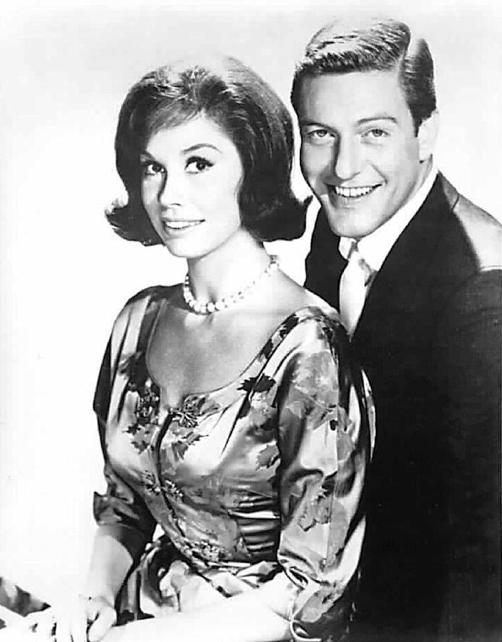 """Mary Tyler Moore's first big break came in 1961, when she played spunky stay-at-home wife Laura Petrie on """"The Dick Van Dyke Show"""" (AFP Photo/)"""