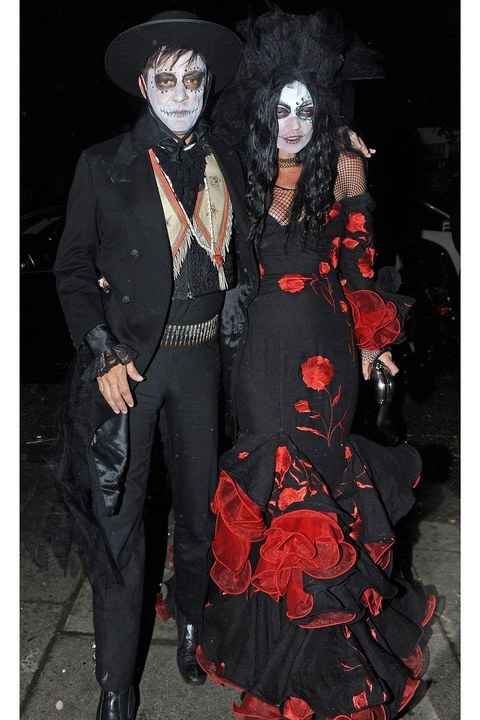 <p>Jamie Hince and Kate Moss as Day of the Dead skeletons.</p>
