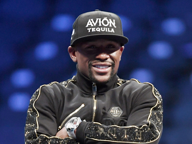 Floyd Mayweather on Trump's controversial 'locker-room talk': 'That's how real men speak'
