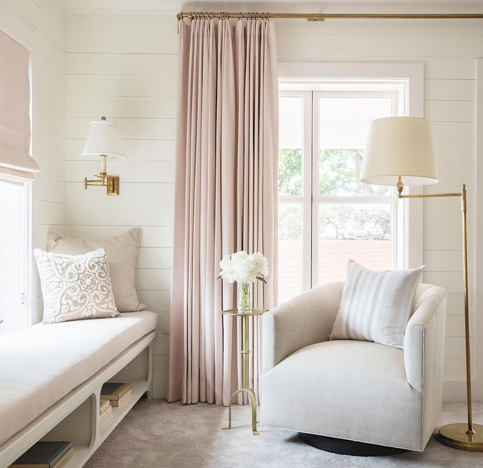 """<p>The perfect union of comfort and function, designer <a href=""""https://marieflanigan.com/"""" target=""""_blank"""">Marie Flanigan </a>chose to extend a window sill to make room for seating in this girl's room. <br></p>"""