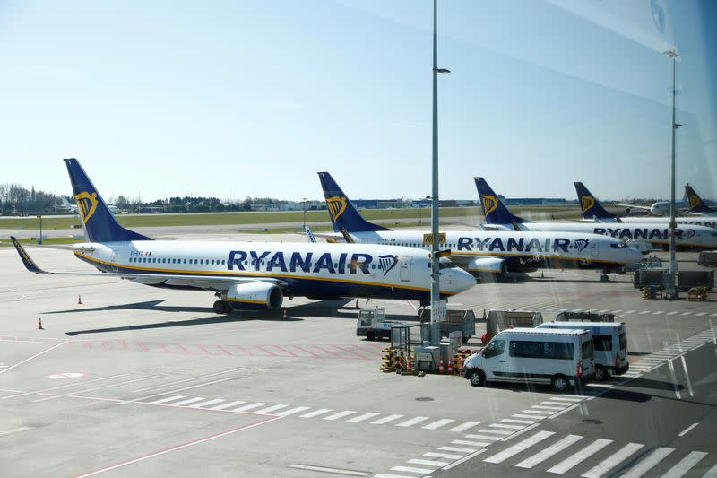Ryanair cuts more than 250 office staff across Europe