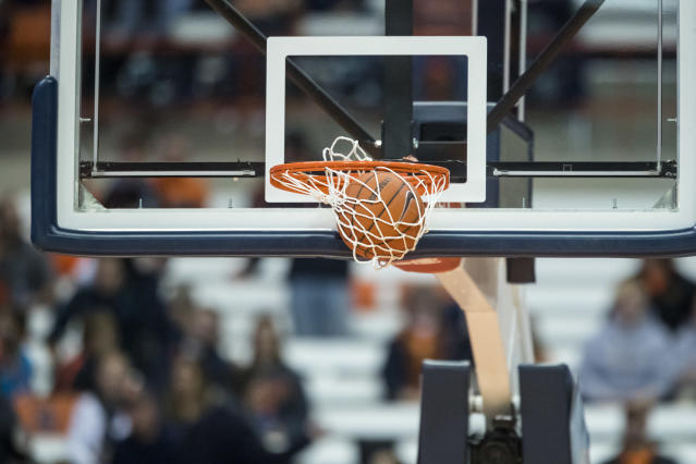 St. Olaf perfectly executed a buzzer-beater on Wednesday night. Officials, however, decided to wave it off. (Brett Carlsen/Getty Images)