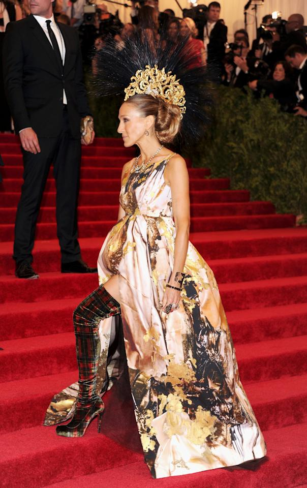 """Actress Sarah Jessica Parker attends The Metropolitan Museum of Art Costume Institute gala benefit, """"Punk: Chaos to Couture"""", on Monday, May 6, 2013 in New York. (Photo by Evan Agostini/Invision/AP)"""