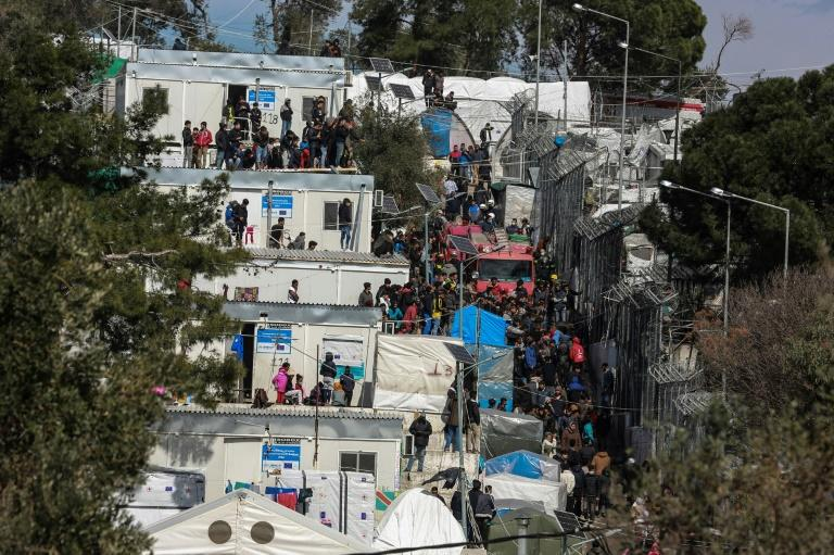 Risk of coronavirus infection: refugees and migrants in the Moria camp on the Greek island of Lesbos (AFP Photo/Manolis Lagoutaris)
