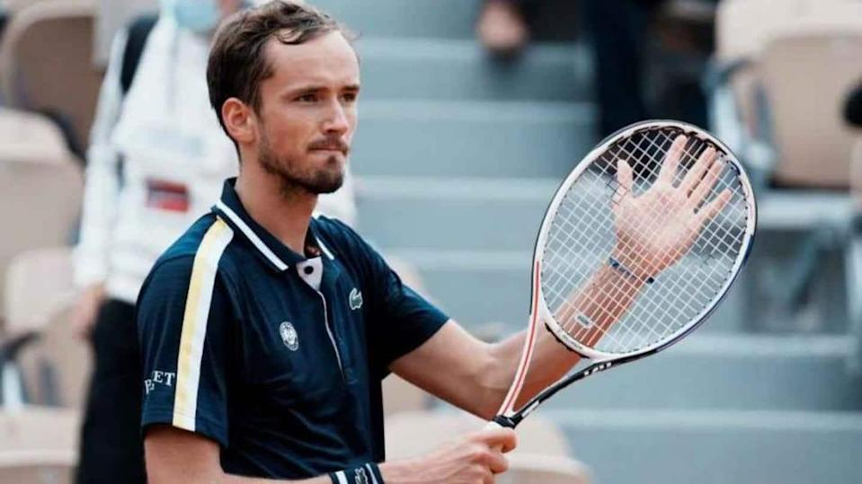 Medvedev humbles Garin, qualifies for his first French Open quarter-final