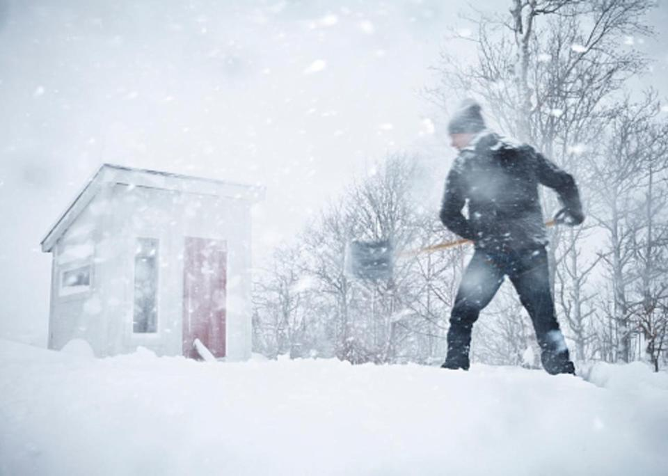 Storm wallops northern Ontario with hefty snow, impacts to travel