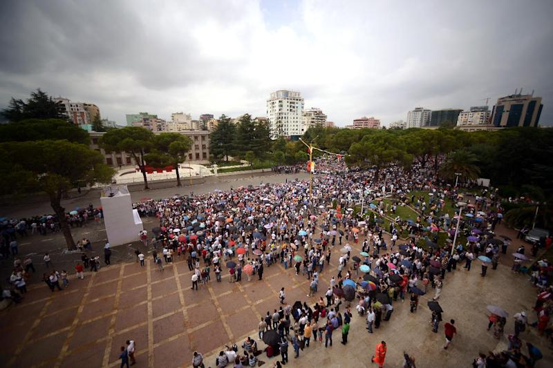 A crowd gathersin Mother Teresa square in central Tirana on September 21, 2014, for the mass celebrated by Pope Francis (AFP Photo/Filippo Monteforte)