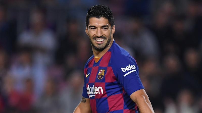 Suarez takes swipe at 'fake news' with Barca future in doubt