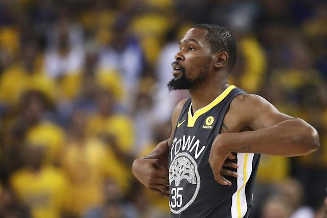 Kevin Durant will return for the Golden State Warriors in their must-win game five against the Toronto Raptors (AFP Photo/EZRA SHAW)