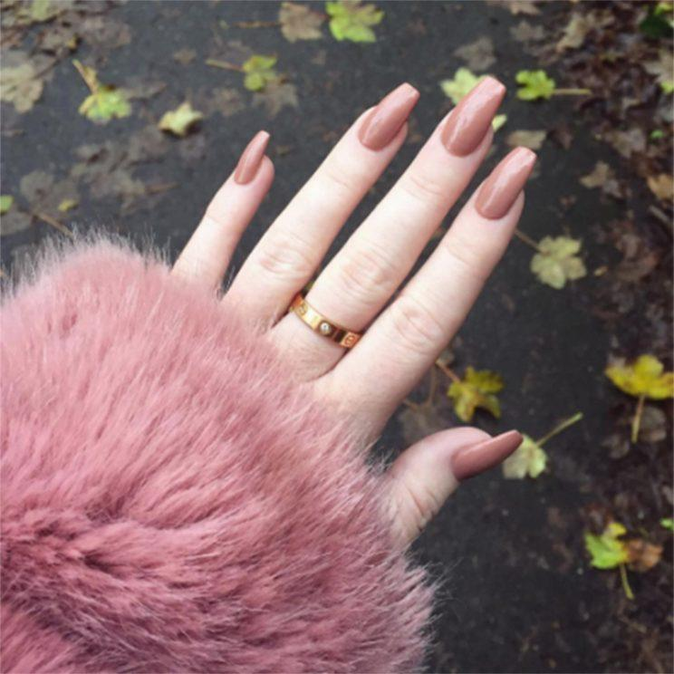 Beauty Blogger Shows the Damage Acrylic Nails Can Do