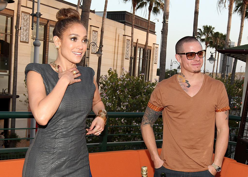 "Jennifer Lopez has no problem with Casper Smart ""pushing away"" her staff, reveals <i>In Touch.</i> The mag notes that many of her ""longtime"" staffers, including her tour manager, have ""quit"" because of Smart, who even treats her personal assistant ""like his own personal slave."" For how much worse it really is, and why J. Lo's cool with it, go to <a target=""_blank"" href=""http://www.gossipcop.com/jennifer-lopez-ditching-friends-casper-smart-staff-fired/"">Gossip Cop</a>."