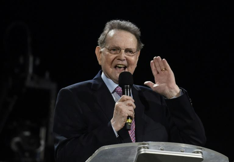 "German evangelist Reinhard Bonnke speaks during his ""farewell gospel crusade"" on November 9, 2017 in Lagos, Nigeria"