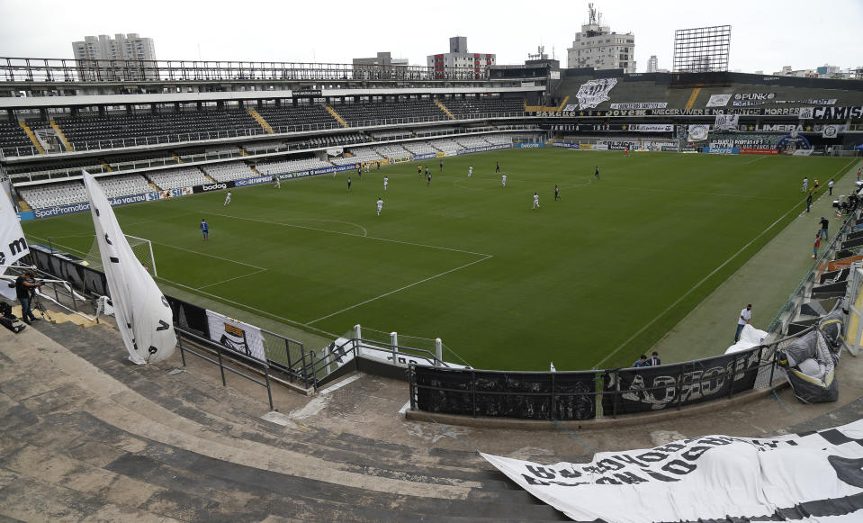 SANTOS, BRAZIL - AUGUST 09: General view of Vila Belmiro Stadium during a match between Santos and Red Bull Bragantino as part of Brasileirao Series A 2020 on August 09, 2020 in Santos, Brazil. (Photo by Miguel Schincariol/Getty Images) (Photo by Miguel Schincariol/Getty Images)