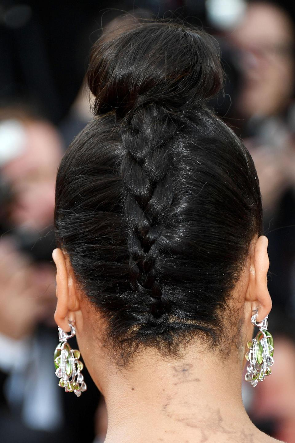"<h3>La La Anthony</h3> <br>The reverse braid is tricky, but if you have the dexterity to begin your three-strand style from the nape of your neck, the spiral makes for the prettiest topknot.<span class=""copyright"">Photo: Venturelli/WireImage/Getty Images. </span><br>"