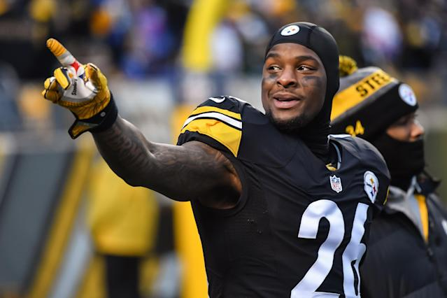 Le'Veon Bell seems happy with his $35 million in guaranteed money. (Getty)