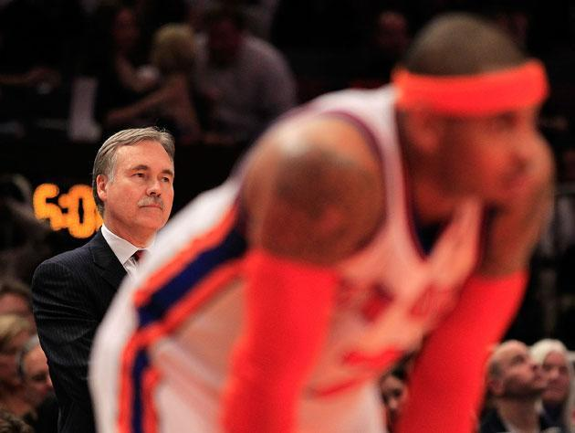 "Mike D'Antoni and <a class=""link rapid-noclick-resp"" href=""/nba/players/3706/"" data-ylk=""slk:Carmelo Anthony"">Carmelo Anthony</a> in 2011. (Getty Images)"