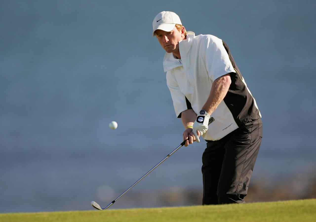 KINGSBARNS, UNITED KINGDOM - SEPTEMBER 29:  English cricketer, Paul Collingwood, chips onto the 11th green during the first round of the Dunhill Links Championship on September 29, 2005 at Kingsbarns Colf Club in Kingsbarns, Scotland.  (Photo by Warren Little/Getty Images)
