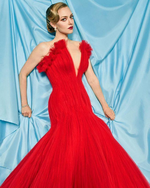 <p>The <em>Mank</em> actress arrived looking old-Hollywood glam as a Best Actress in a Supporting Role nominee.</p>