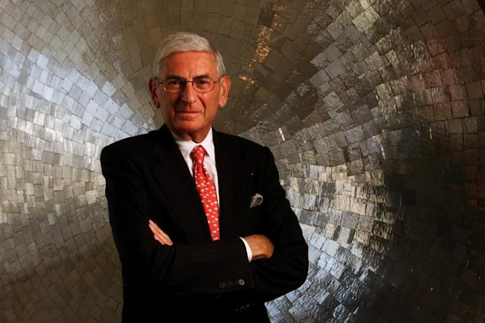Anacleto Rapping –– – 013170.ME.0803.Broad5.AR Eli Broad is chairman of Sun America and the man most responsible for bringing the Democratic Convention to Los Angeles. Broad was photographed at his Century City offices on 8/3/00.