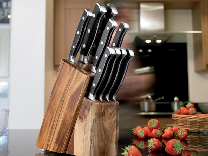 Taylor's Eye Witness set includes four steak knives: Taylor's