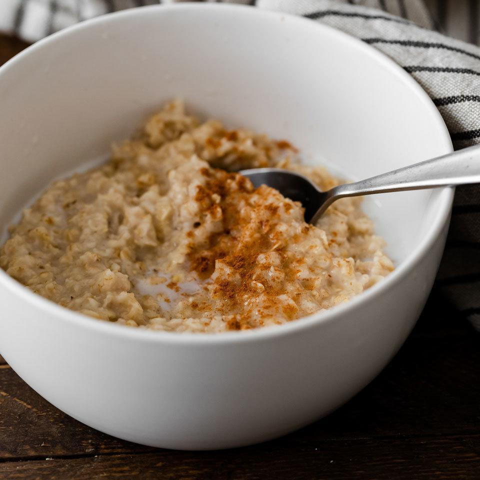 <p>Sometimes basic is better. At breakfast, that can certainly be the case. These easy oatmeal recipes teach you the basic methods so you get creamy, tender oats every time. The flavorings and toppings are up to you.</p>