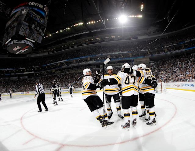 PITTSBURGH, PA - JUNE 03: The Boston Bruins celebrate a first period goal by Nathan Horton #18 against the Pittsburgh Penguins during Game Two of the Eastern Conference Final of the 2013 NHL Stanley Cup Playoffs at the Consol Energy Center on June 3, 2013 in Pittsburgh, Pennsylvania. (Photo by Bruce Bennett/Getty Images)