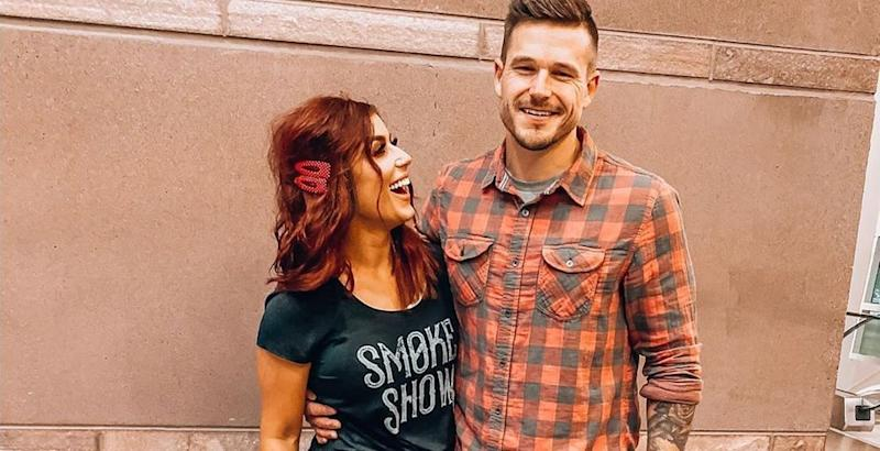 Chelsea Houska poses with Cole DeBoer