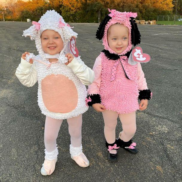 PHOTO: Hamburg's daughters, Elizabeth and Louise, dressed as stuffed animals this year to go with the Claw. (Andrea Hamburg)