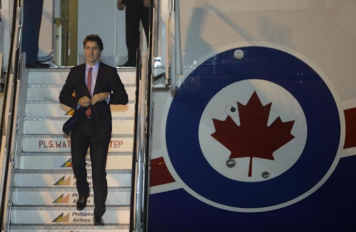 Justin Trudeau arrives in Manila to attend the Asia-Pacific Economic Cooperation Summit on November 17 (AFP Photo/Noel Celis)
