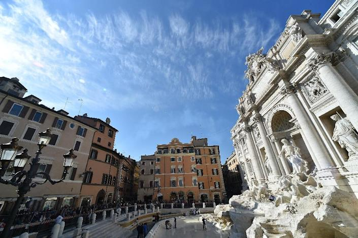 A general view shows the restored Trevi Fountain in central Rome prior its inauguration on November 3, 2015 (AFP Photo/Alberto Pizzoli)