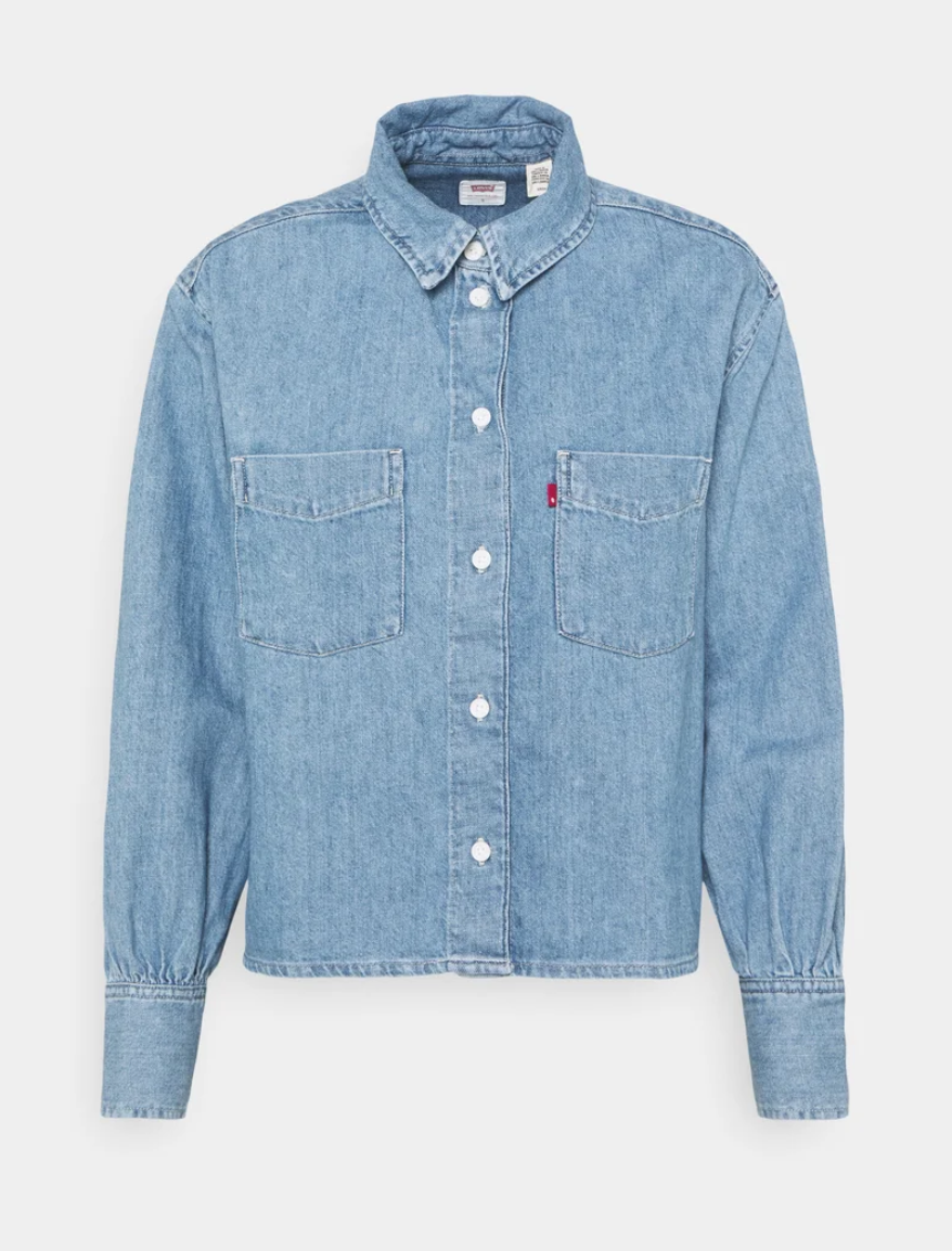 "<p>LEVI'S, €79,99<br><br><a class=""link rapid-noclick-resp"" href=""https://go.skimresources.com?id=86393X1538932&xs=1&url=https%3A%2F%2Fwww.zalando.it%2Flevis-zoey-pleat-utility-camicia-stay-cool-le221e07i-k13.html"" rel=""nofollow noopener"" target=""_blank"" data-ylk=""slk:ACQUISTA ORA"">ACQUISTA ORA</a></p>"
