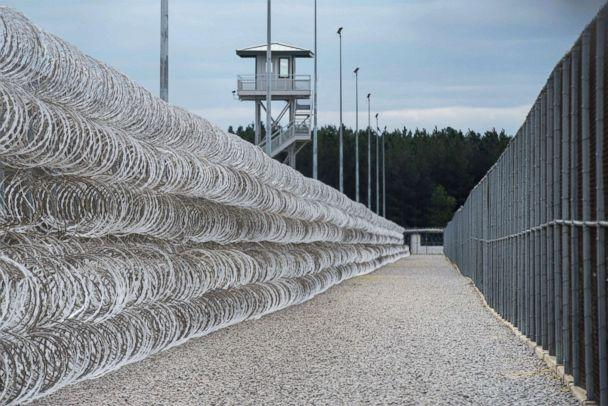 PHOTO: Razor wire protects a perimeter of the Lee Correctional Institution in Bishopville, S.C., in this Feb. 9, 2016. (Sean Rayford/AP FILE)