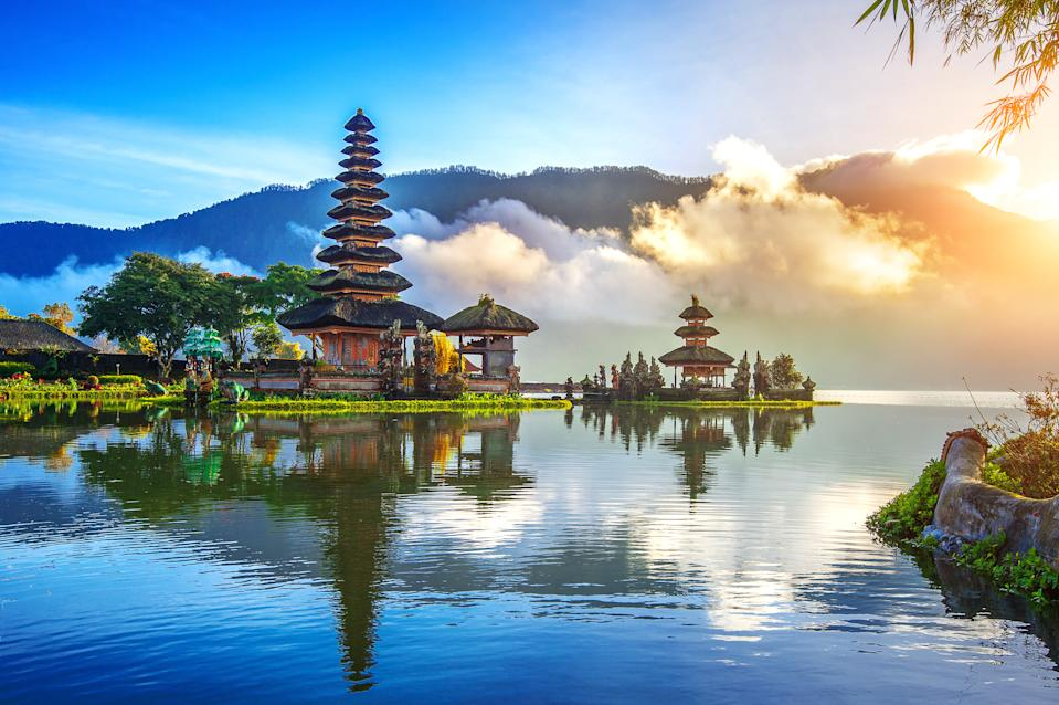 Indonesia GDP: US$1.11 trillion. India's economic stimulus package is 24.3% of Indonesia's GDP.
