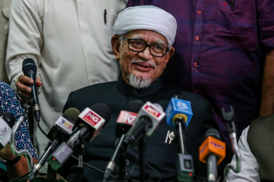 PAS spiritual leader Datuk Hashim Jasin claimed all this while, the party and its president, Datuk Seri Abdul Hadi Awang (pic), played a role to ease tensions between Umno and Bersatu. — Picture by Firdaus Latif