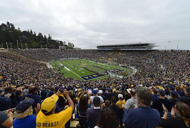 Cal is scheduled to host No. 8 Washington State at California Memorial Stadium on Friday night. (Photo by Thearon W. Henderson/Getty Images)