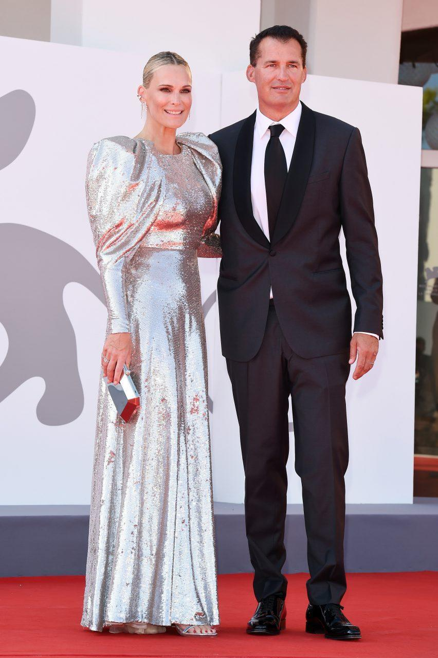 VENICE, ITALY - SEPTEMBER 02: Molly Sims and Scott Stuber attend the red carpet of the movie 'The Power Of The Dog' during the 78th Venice International Film Festival on September 02, 2021 in Venice, Italy. (Photo by Stefania D'Alessandro/Getty Images)