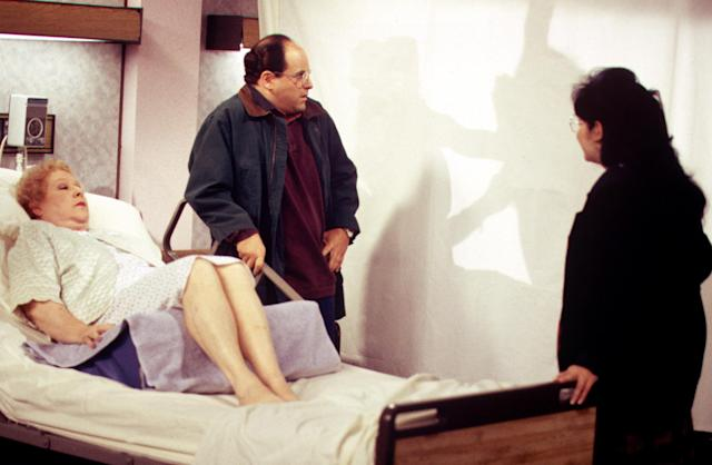 "Estelle Harris and Jason Alexander in ""The Contest"" episode of <em>Seinfeld.</em> (Photo: Columbia TriStar Television/Courtesy of Everett Collection)"